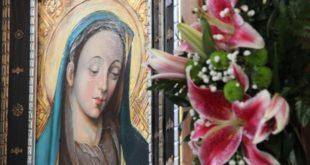 Matka Boża Cierpliwie Słuchająca